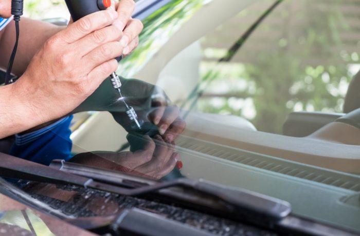 Auto stiklu remonts